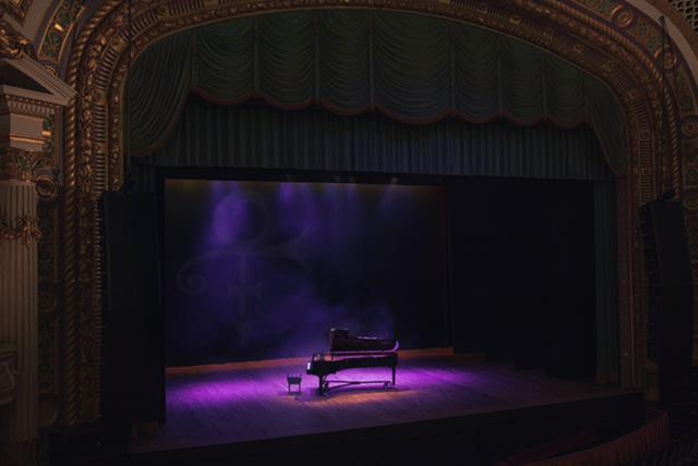 Prince set for European piano tour