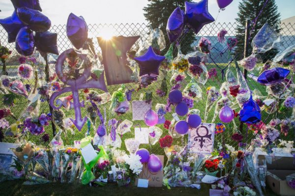 Fan tributes at Paisley Park